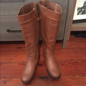 Brown leather Torrid boots