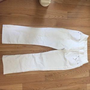 NWT GAP Maternity white crop kick jeans size 4
