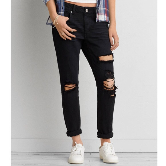 2a9503a4230 American Eagle Outfitters Pants - Black American Eagle tomgirl ripped jeans