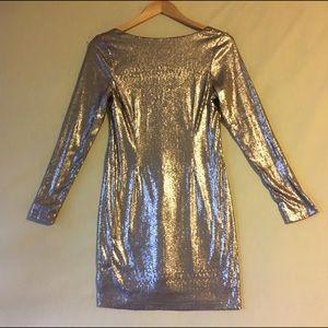 Kardashian Kollection Dresses & Skirts - Kardashian kollection gold toned sequined dress