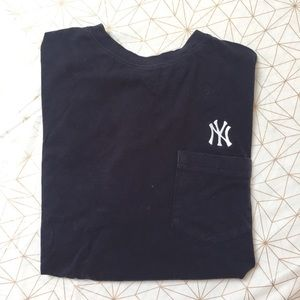 Cutter & Buck Other - Men's Yankees t-shirt