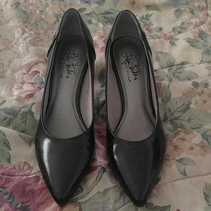 Shoes - Life stride black heels
