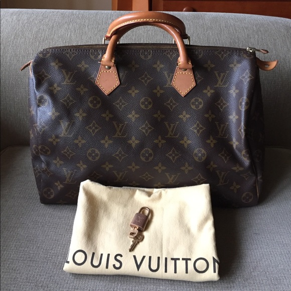 Louis Vuitton Handbags - Louis Vuitton speedy 35 8db8f22a5a