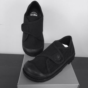 Palladium Other - Palladium Pampa Velcro Oxford (Toddler) 9