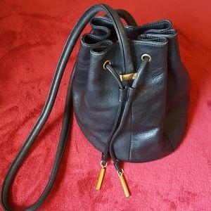 Etienne Aigner Handbags - Vintage 🌹 Etienne Aigner bucket bag