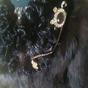 Jewelry - Goldtone STICK PIN
