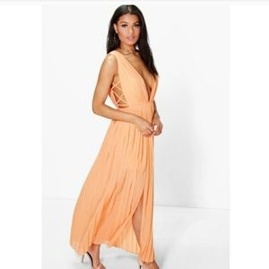Boohoo Dresses & Skirts - New Pleated Chiffon Maxi