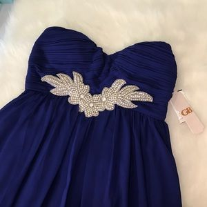 Gianni Bini Dresses & Skirts - NWT 💎 Gianni Bini embellished cocktail dress