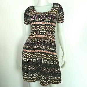 Alya Dresses & Skirts - Scoop Neck Geometric Pattern Knee Length Dress