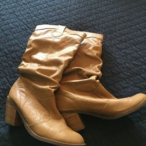 Soda Shoes - Tan Heeled Western Boots