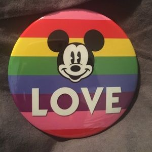 Disney Love button