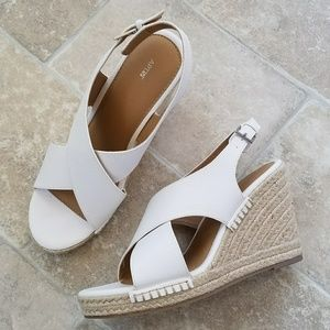 New Apt. 9 White Strappy Wedge Sandals