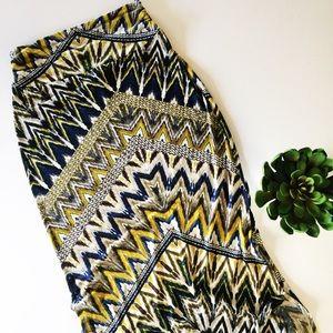 bobeau Dresses & Skirts - Bobeau printed maxi skirt with side slits