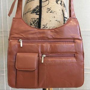 Handbags - Large Crossbody Purse with Loads 🔅 of Storage NWT