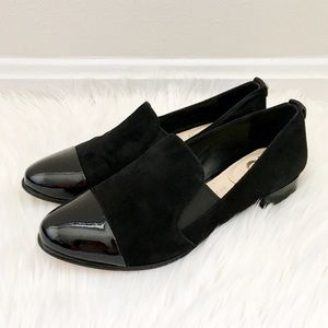 Vince Camuto Shoes - 🆕 Vince Camuto Suede Cap-Toe Loafers