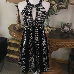 Sue Wong Dresses & Skirts - SUE WONG BLACK & WHITE DRESS