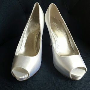 Shoes - Michaelangelo Paloma Dyeable David's Bridal Heel