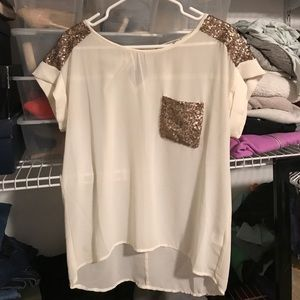 Blouse with sequin