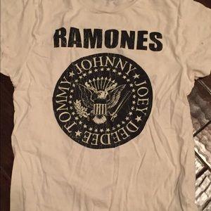 Ramones t shirt graphic
