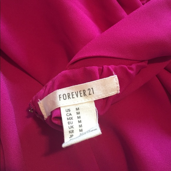 Forever 21 Dresses - ADORABLE fuschia dress size M