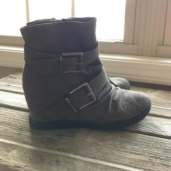 8db14112826 Blowfish Malibu Wedge Boots. M 58f7c861d14d7baa0d005594