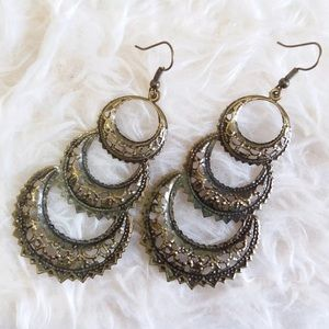 Jewelry - Dangle Fashion Earrings !