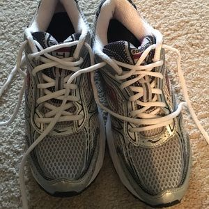 Saucony Shoes - Saucony running shoes!