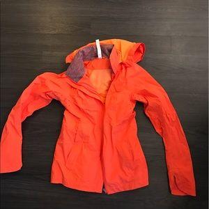 Lululemon 6 raincoat