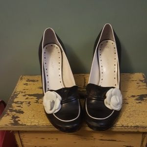 BCBGirls Shoes - BCBG black and cream loafer heels size 8