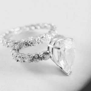 Jewelry - 14k Solid 3ct Pear Engagement Ring 2pc set