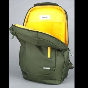 InCase Other - The Compact Backpack