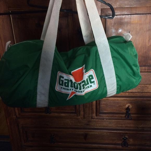 ef04bccc0679 Vintage Gatorade duffel bag. M 58f7e563bf6df54be200b362