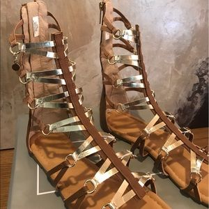 Tahari Shoes - Tahari Gladiator in brown and gold. Fits size 8.5