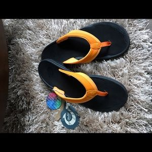 OluKai Shoes - Olukai Ohana orange and black sandals