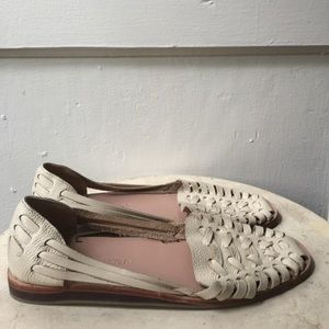 Nisolo Shoes - NISOLO Worn Once Huaraches Cream Leather Sandals