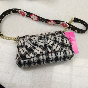 Betsey Johnson Handbags - Betsey Johnson Cute Purse NWT