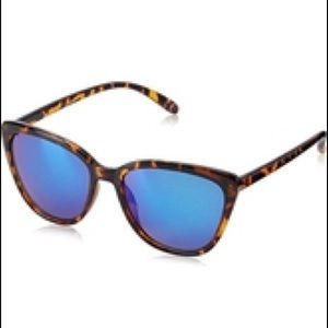 Foster Grant Accessories - 🎀🆕Foster Grant Cat Eye Mirrored Sunglasses🎀