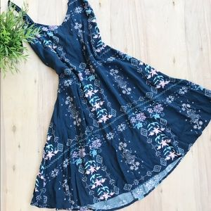 Cotton On Dresses & Skirts - Cotton on floral and tribal flowy dress