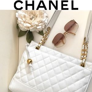 CHANEL White Caviar Leather Tote Vintage