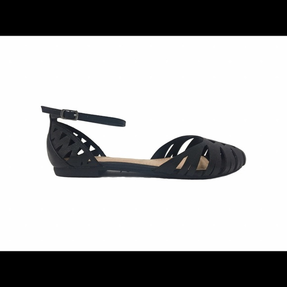 27 Off Bamboo Shoes Black Toe Covered Strappy Flat