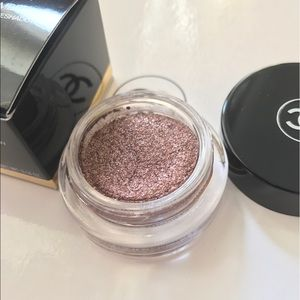 CHANEL Other - Authentic Chanel illusion D ombré new moon