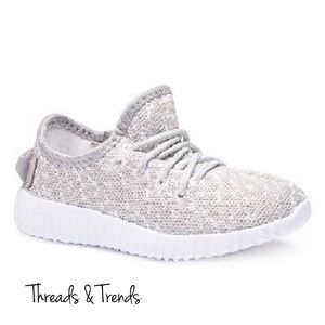 Threads & Trends Shoes - 🌸🆕 Heather Grey Fly Knit Sneakers