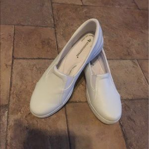 grasshoppers Shoes - Grasshoppers white sneakers Slip inside