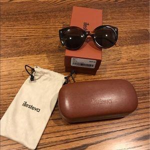 Illesteva Accessories - Illesteva Palm Beach Tortoise Sunglasses