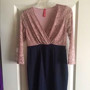 Hello MIZ Dresses & Skirts - Beautiful stretch lace dress