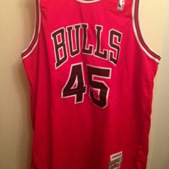 pretty nice 5917a ffe4d MICHAEL JORDAN Chicago Bulls #45 Mitchell & Ness
