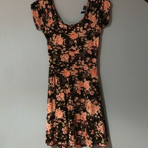 Ultra Flirt Dresses & Skirts - flower print casual dress