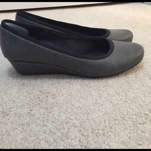 Easy Spirit Shoes - 🎈Sunday Sale🎈Grey wedges size 8