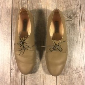 Nisolo Shoes - Nisolo Oliver taupe-gray loafers