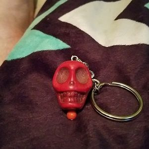 Accessories - Solid stone skull keychain